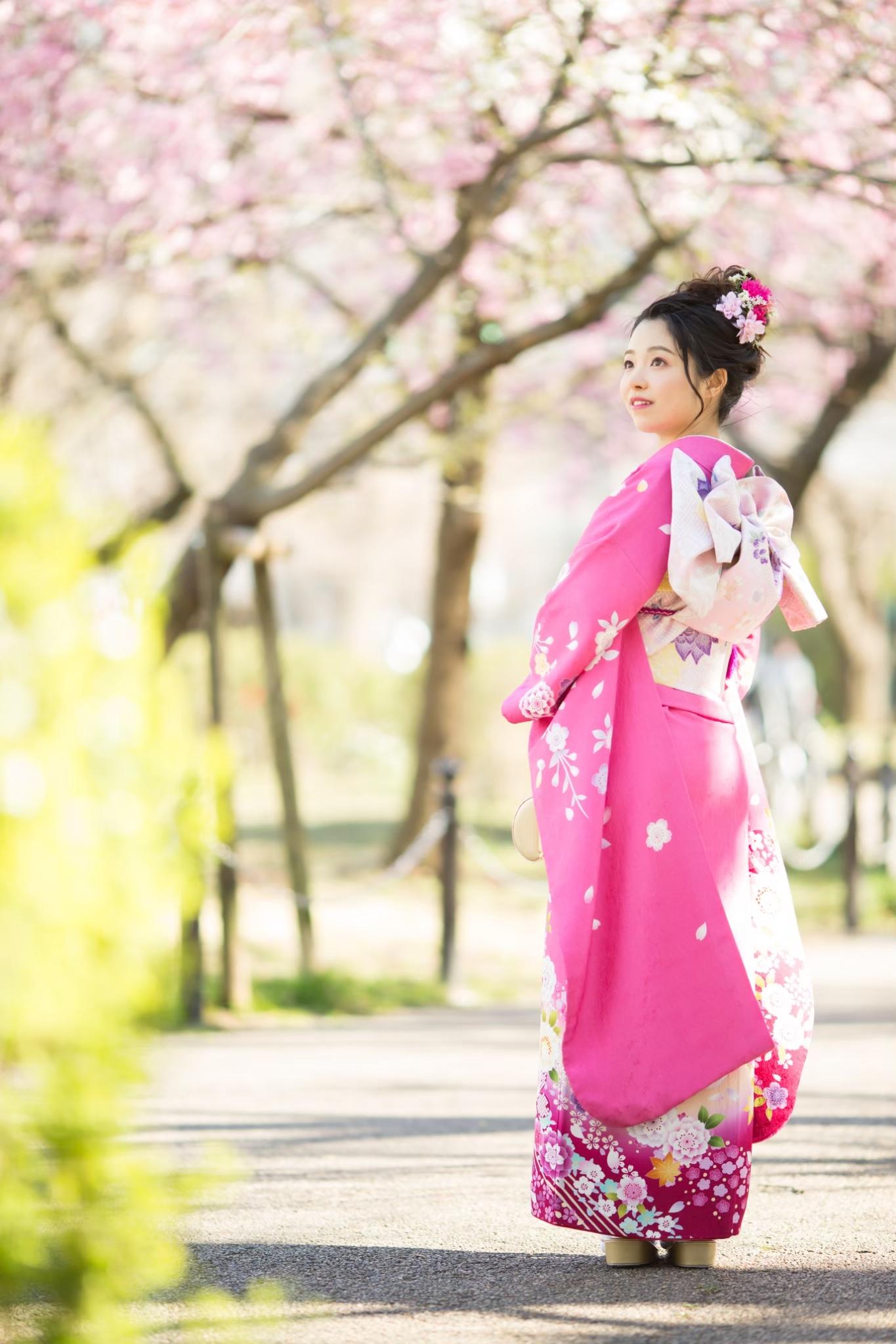 桜の中で成人式前撮り-M5