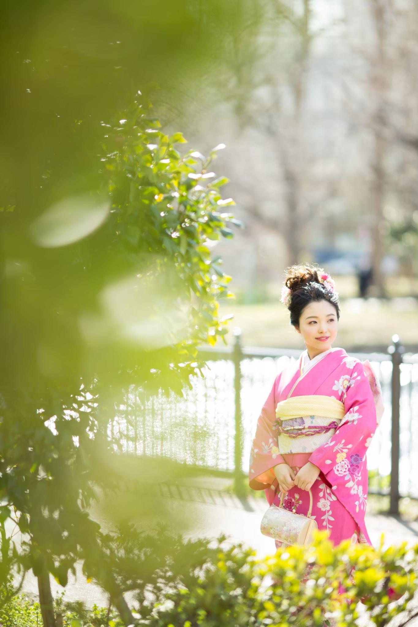 桜の中で成人式前撮り-M6